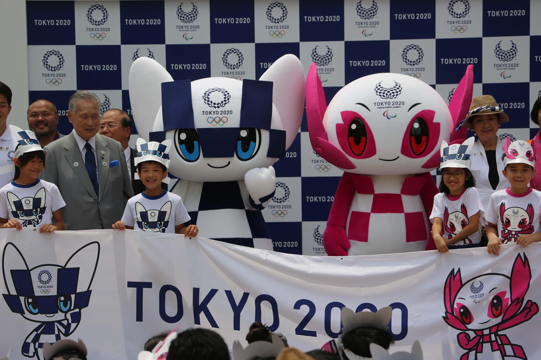 東京奧運吉祥物MIRAITOWA和SOMEITY由小學生票選,2018年7月公開。(中央社檔案照片)