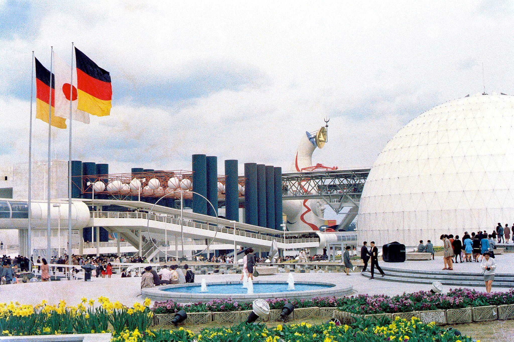 隨著2020年東京奧運結束,大阪也將在2025年再度舉辦世界博覽會。(圖為大阪1970年世界博覽會,取自維基共享資源;作者takato marui,CC BY-SA 2.0)