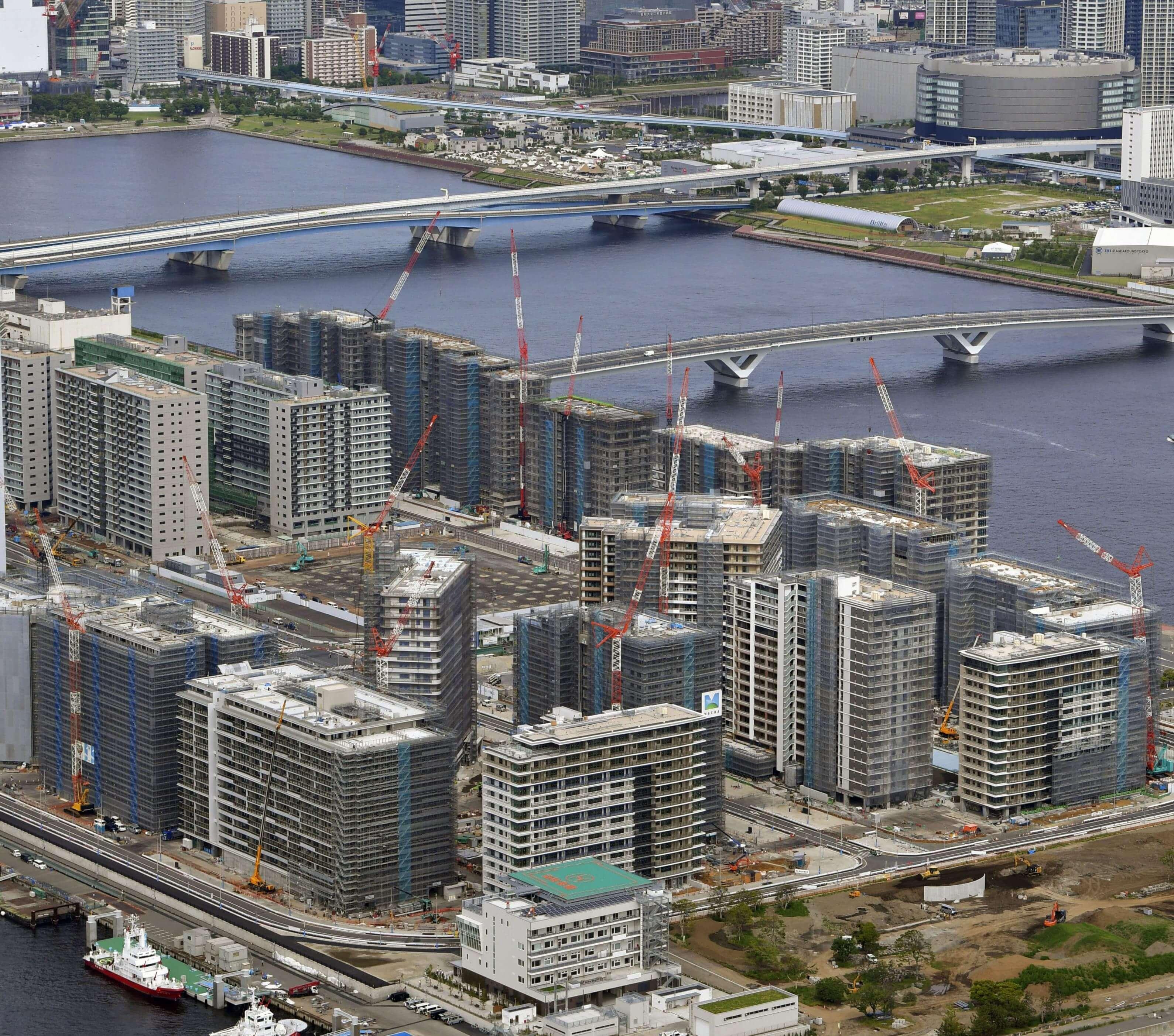 三井不動產Residential規劃每棟建築的棟距與角度配置,住戶不用爬到高樓層也能享受東京灣景觀。(檔案照片/共同社提供)