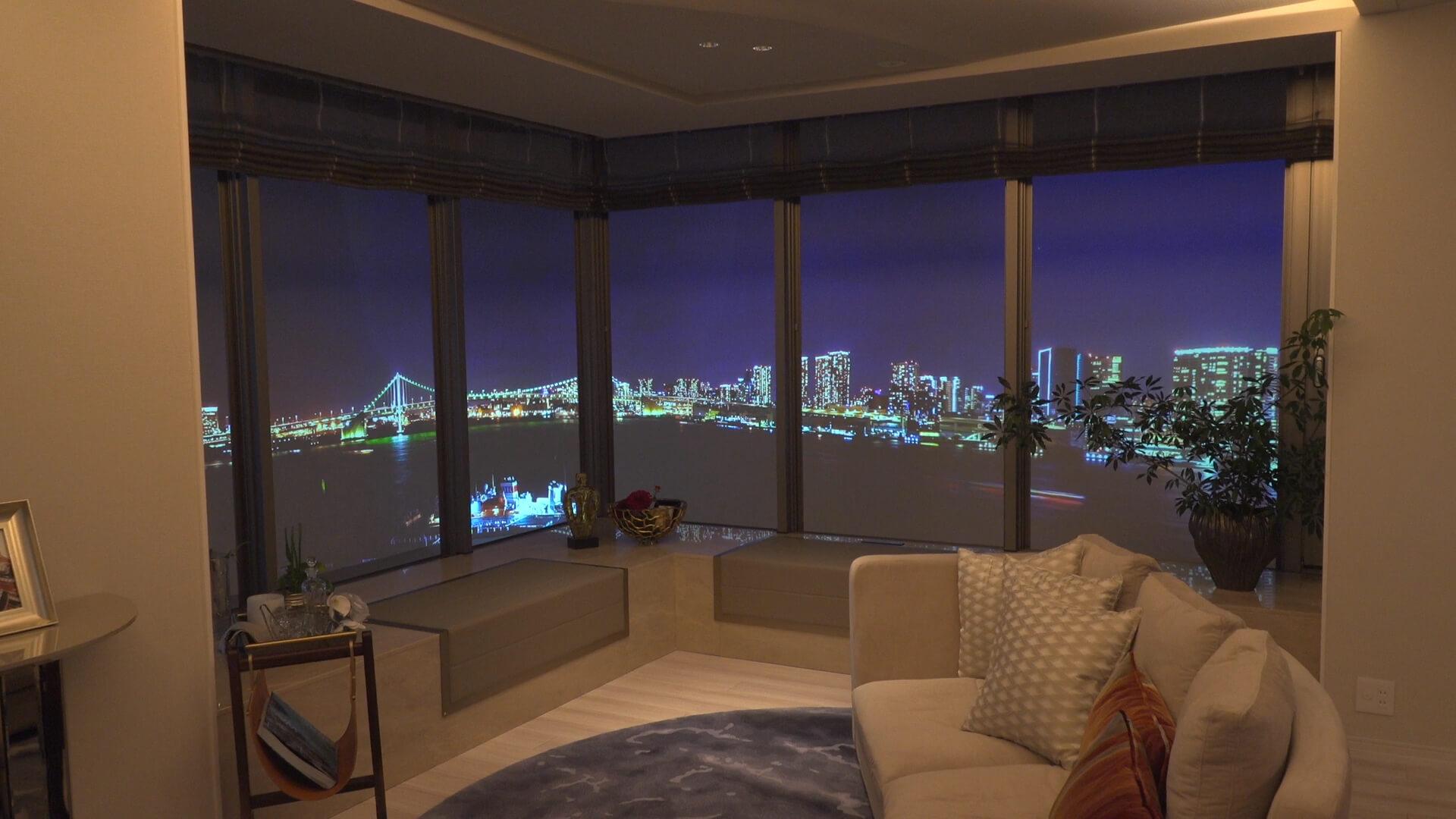 東京奧運選手村位於東京灣岸新開發地區,基地三面環海,可以看到繁華夜景,彩虹大橋就在眼前。(中央社記者黃大維攝)