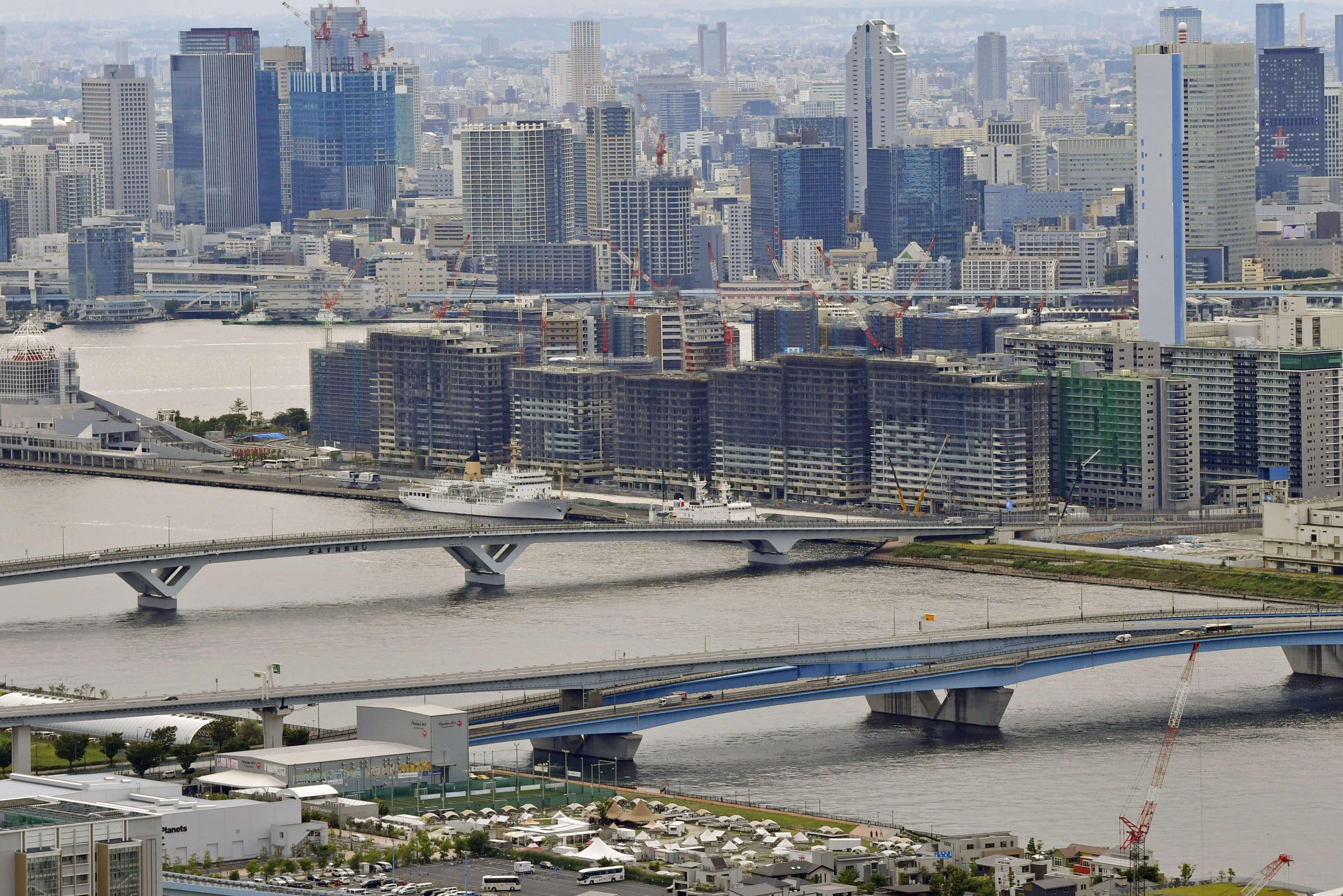東京奧運選手村位於東京灣岸新開發地區,基地三面環海,全球頂尖選手在激烈的賽事後可欣賞東京灣美麗景致。(檔案照片/共同社提供)