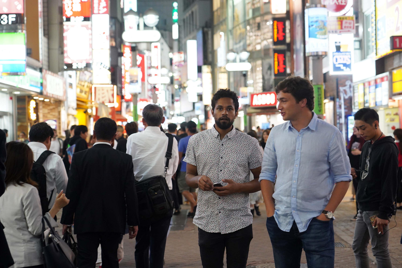 觀光廳調查訪日外國人,語言問題還是最主要困擾。圖為日本街頭的外國觀光客。(中央社記者吳家昇攝)